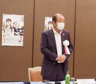 挨拶をする小泉理事長.jpg